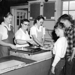 Lunchroom Workers 1024x776